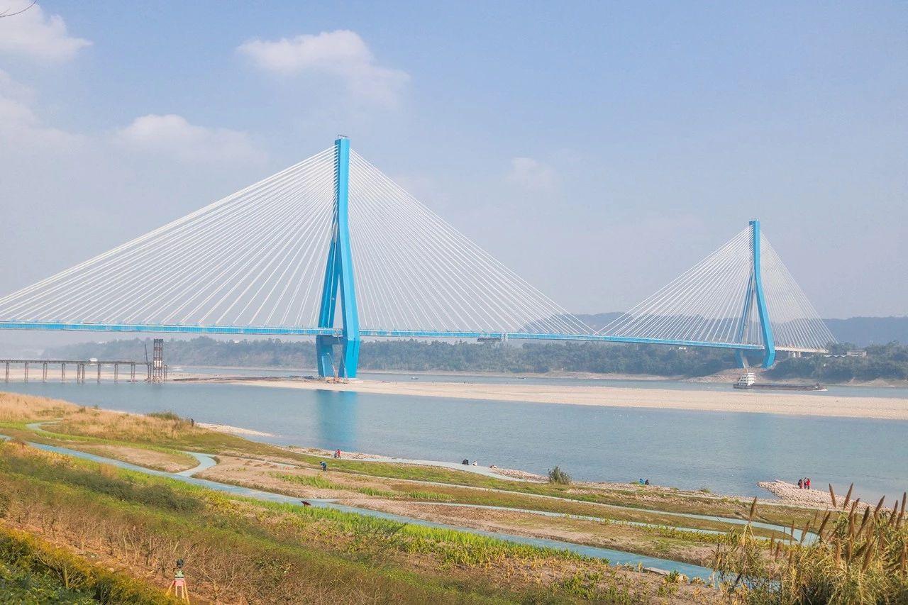宜宾南溪仙源长江大桥今日正式通车!并开通南溪江南公交线,壮观!