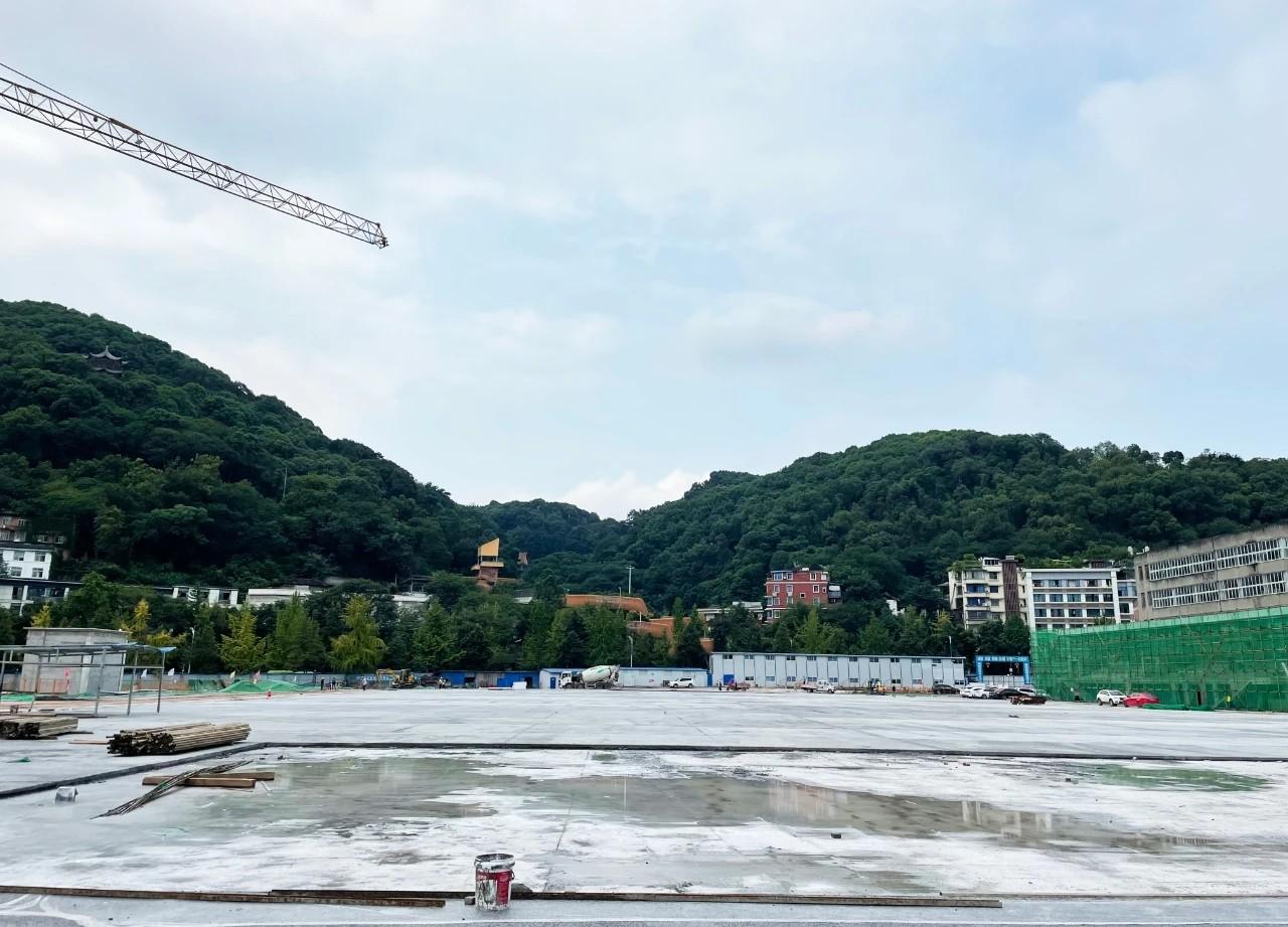 全新亮相!!老城区人民广场即将改造完成,预计年底亮相!